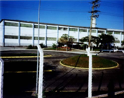 Frente do prédio da Faculdade de Engenharia Química de Lorena